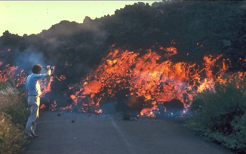 `A`a lava flow moves through the Royal Gardens subdivision.