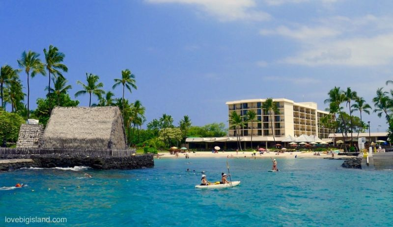 Kamakahonu (King Kam beach) is a small, family-friendly, beach in the heart of Kona