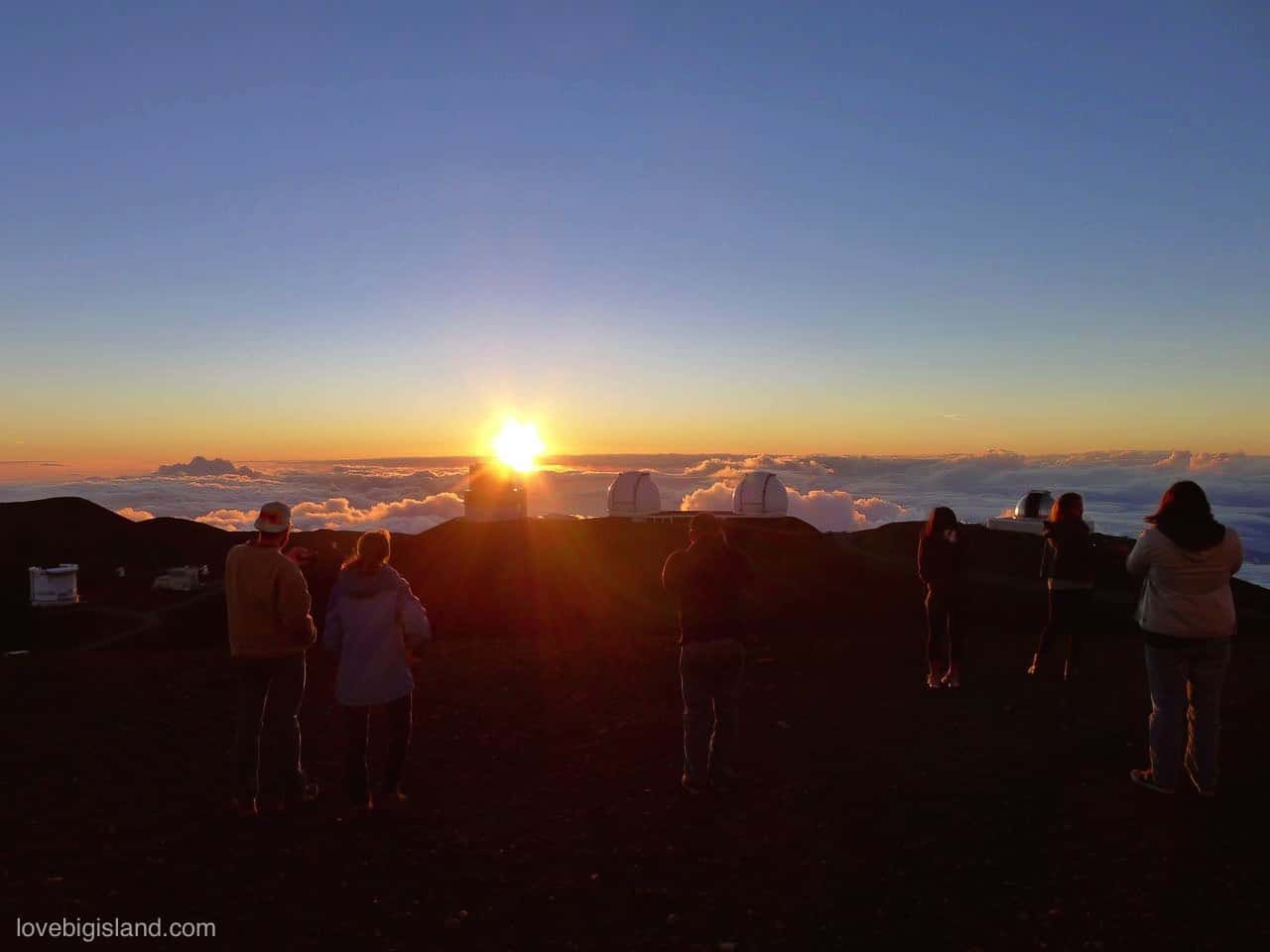 Stargazing on MaunaKea: DIY 🔭 Guide + Summit Tours